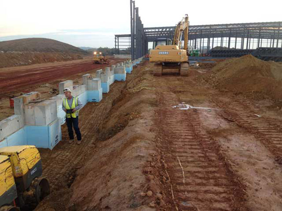 CMS completed 3,330+ LF of footing and foundations for a FedEx Ground distribution center in King of Prussia, PA.